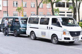 Transportadores escolares siguen sin poder trabajar