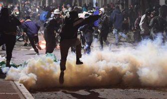 Fuerza pública dispara contra manifestantes en Bogotá