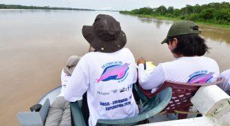 Científicos lanzan plataforma con información inédita para conservar la población de delfines de río más grande del mundo