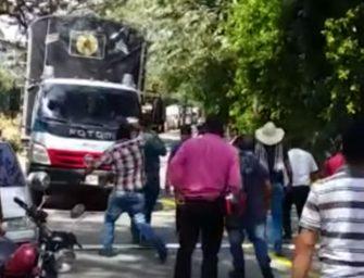 Nueva jornada de protestas de transportadores contra los peajes en el Tolima
