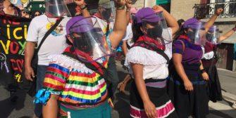 Zapatistas toman la calle y caminan preguntando con trabajadores Sin Papeles y Zadista